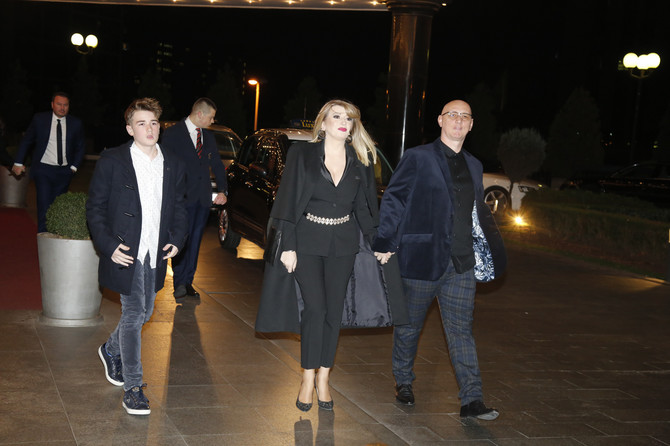 Viki Miljković sa porodicom