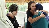 """Dominika Kulczyk niesie pomoc rodzinom ofiar ze Srebrenicy. """"Wojna odeszła, została rozpacz kobiet"""""""