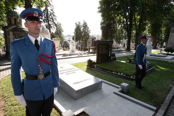 Grob Milunke Savić