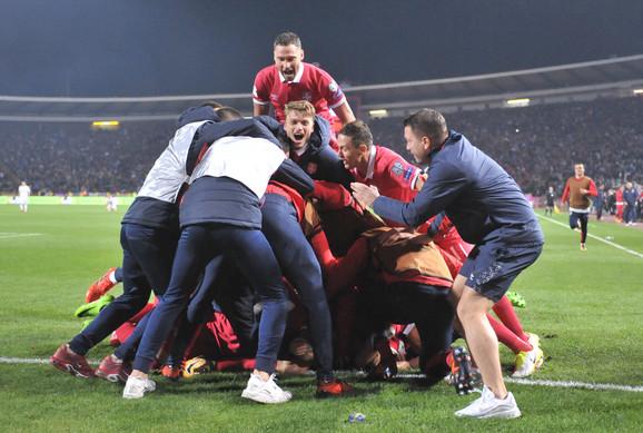Fudbalska reprezentacija Srbije slavi odlazak na Mundijal