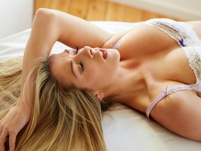 Otkrivena formula ženskog orgazma! Isprobajte ZLATNU TROJKU koja zadovoljava svaku ženu