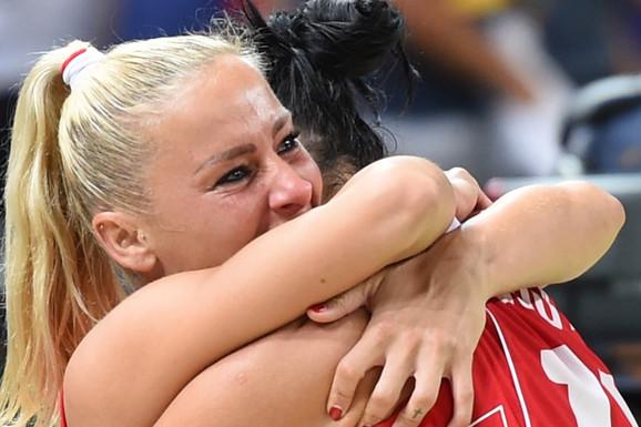 """""""ODBILA SAM DA SPAVAM SA PREDSEDNIKOM KLUBA I DALI SU MI OTKAZ"""" Milica Dabović: Nisam ŠIRILA NOGE ni kad sam zarađivala 20.000 evra, neću ni sad"""