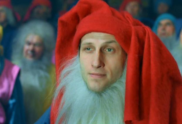"""Maciej Kozłowskie w filmie """"Kingsajz"""""""
