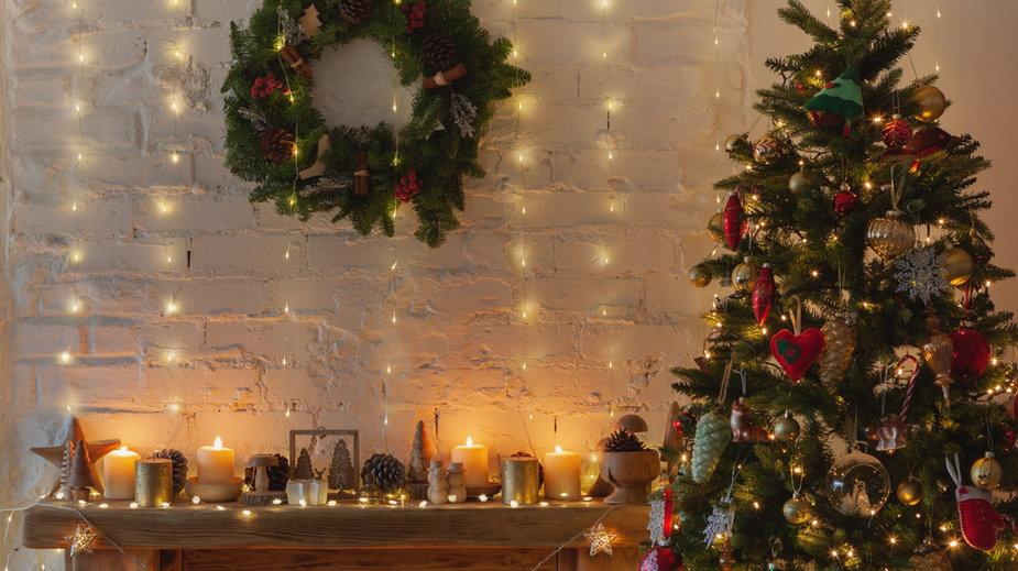 Efektowne dekoracje świąteczne do domu