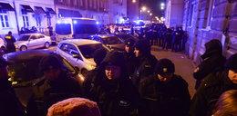 """W rządzie zmiany. Na ulicy """"kocioł policyjny"""", legitymowanie i zatrzymanie demonstracji"""