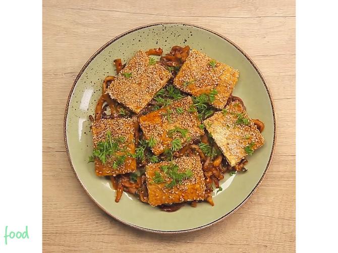 Tofu sa susamom i plavim patlidzanom