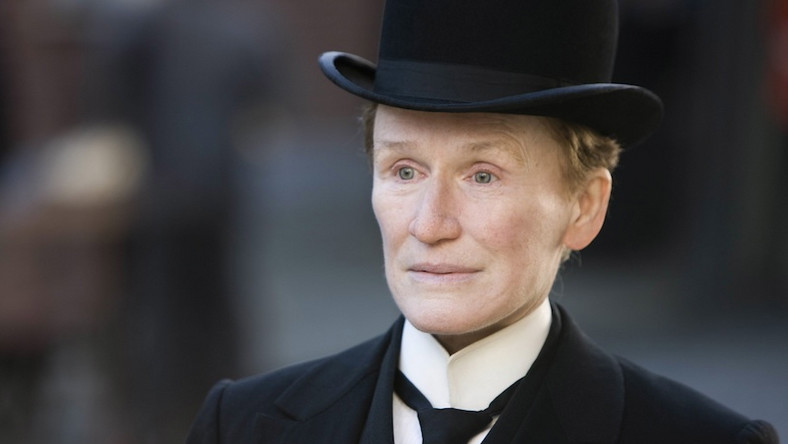 Glenn Close jako Albert Nobbs