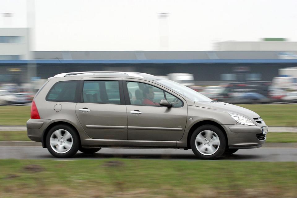 W superbly Top 10 - używane auto dla dużej rodziny za 10-20 tys. zł TW41