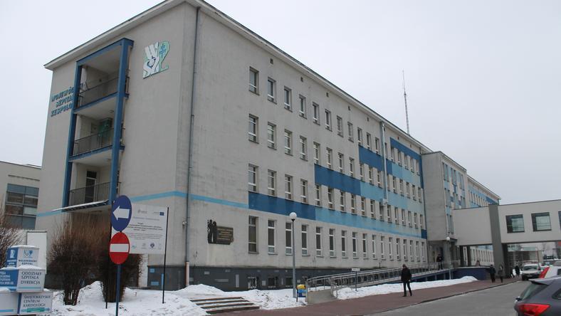 """Co piąty lekarz ze Szpitala Zespolonego w Kielcach wypowiedział już tzw. klauzulę """"opt-out""""."""