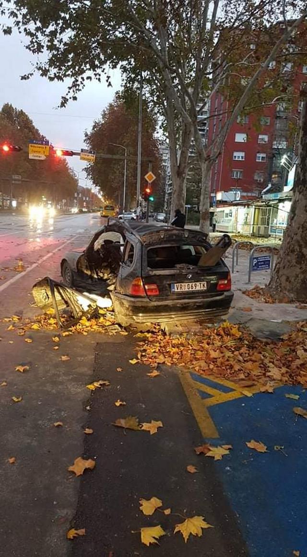 automobil kojim je upravljala Jovana je potpuno uništen