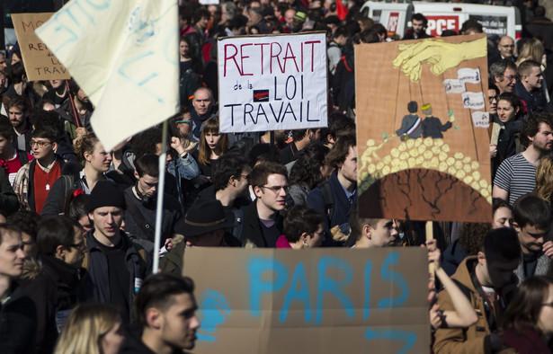 Francja: Masowe protesty przeciwko ustawie wprowadzającej nowe prawa pracy