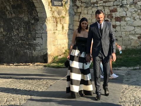 Nju niko nije očekivao: Na svadbu Piksijeve ćerke stigla i Prija ovako odevena! FOTO