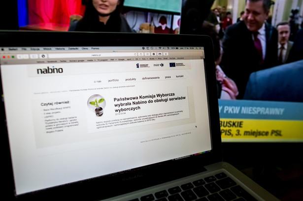 Strona internetowa łódzkiej firmy Nabino, z marcowym komunikatem spółki, w którym informuje o wygranym przetargu na usługi dla Państwowej Komisji Wyborczej