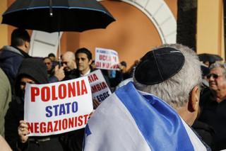Protest przed ambasadą w Tel Awiwie. Sellin: To nieporozumienie