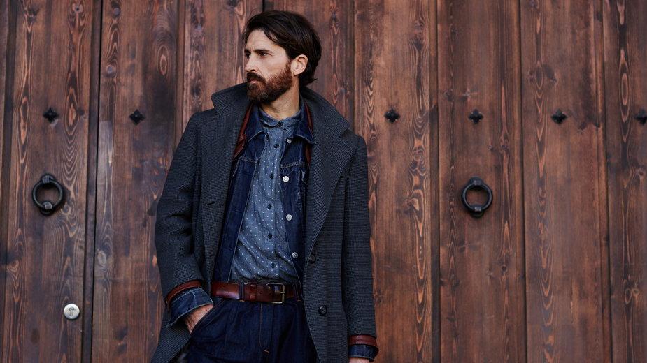 Modne męskie płaszcze, które w Black Week kupisz taniej