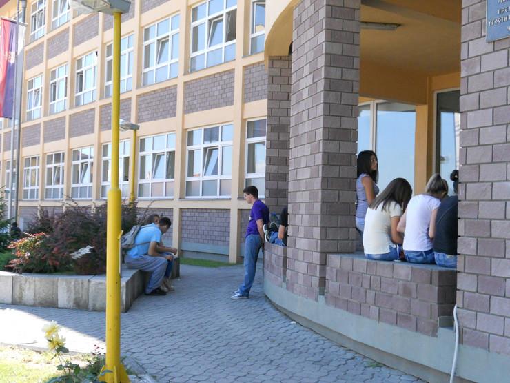 CACAK01 Prehrambeno ugostiteljska skola V Nikitovic