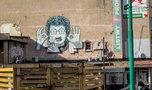 Robią, co mogą, by muralu z Krawczykiem nie zakryła reklama... majonezu