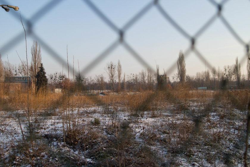 Teren po spalonym stadionie Energetyka w Poznaniu
