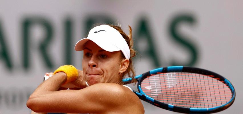 Magda Linette z awansem do ćwierćfinału debla French Open. Krew na korcie