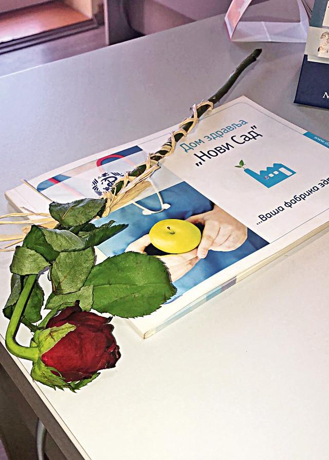 """Uvele ruže koje je ostavljao radnicima podseća na """"potpis"""" mafijaša Don Vita Korleonea"""