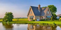 Planujesz wybudować dom na wsi? Tych błędów się wystrzegaj!