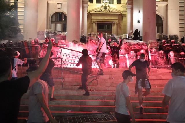 Sinoćni pokušaj upada u Skupštinu Srbije