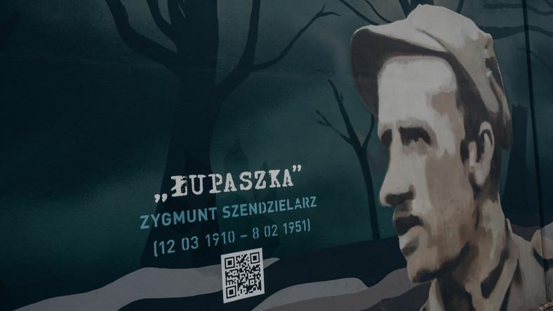 """Mural z """"Łupaszką"""" w Gdańsku"""