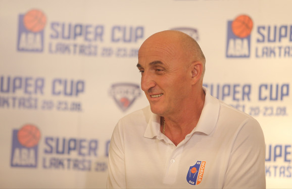 Trener Mornara Mihajlo Pavićević