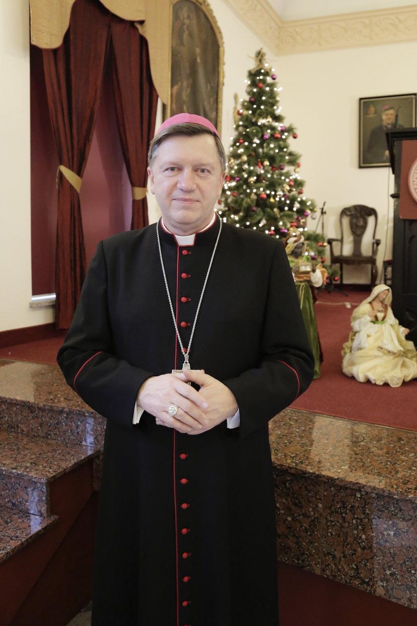 Arb. Józef Kupny (58 l.), metropolita wrocławski