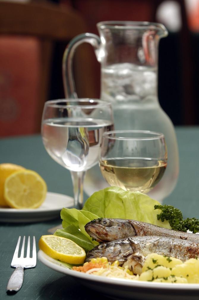 Kako ispijanje vode može da vam pomogne u mršavljenju?