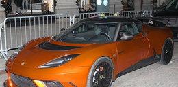 Gwiazdor jeździ Lotusem GTE. Fajny?