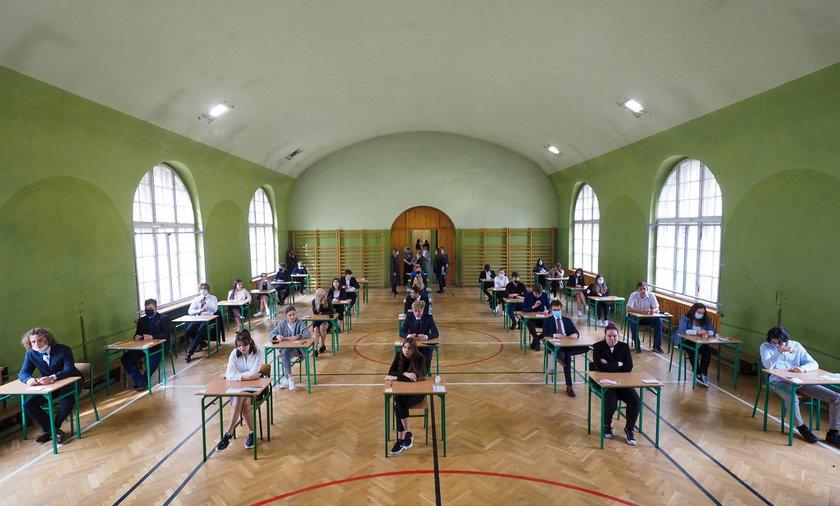 Matura 201. W czwartek 6 maja tegoroczni maturzyści przystąpili do egzaminu z języka angielskiego