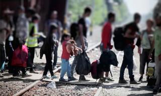 Komisarz ds. Uchodźców: Nie ma natychmiastowego ryzyka migracji z Afganistanu do Europy
