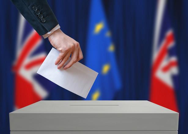 Rząd Wielkiej Brytanii chce zagwarantować prawa obywateli UE
