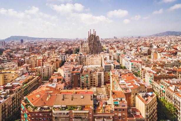 Ponad 1700 osób, według policji miejskiej, protestowało w Barcelonie.