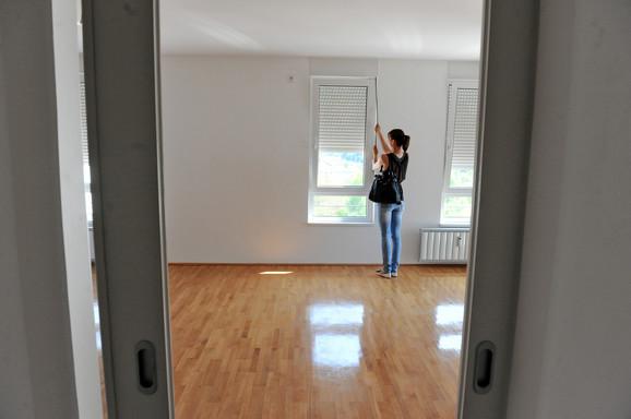 Izdavanje stanova na tankim nogama.
