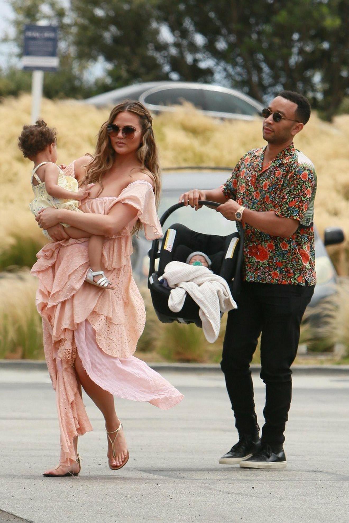 Krisi Tajgen sa suprugom i decom