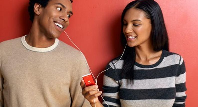 A couple listening to an iPod