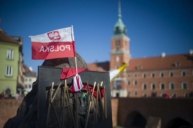 Prezydent Duda, podczas uroczystości w 226. rocznicę uchwalenia Konstytucji 3 maja, w swoim wystąpieniu na pl. Zamkowym powiedział, że chce, aby w 2018 r. odbyło się referendum ws. konstytucji.