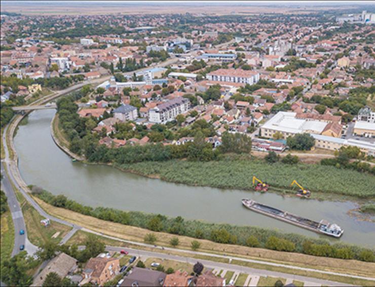 Izgradnja pristana 4 foto Grad Zrenjanin