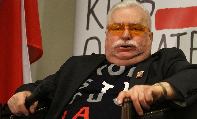 Wałęsa wzywa ludzi na ulicę