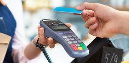 Seniorzy mogą otrzymać darmową kartę zbliżeniową