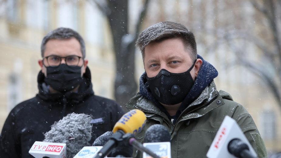 Michał Dworczyk i Michał Kuczmierowski z najnowszymi informacjami nt. szczepień