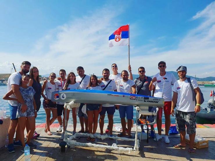 Studenti sa brodom Sava 1