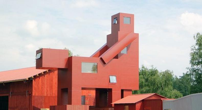 Creative building