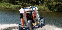 Alarm na mazurskim jeziorze: policjanci pojechali ratować tonącego. Nie tego się spodziewali na miejscu