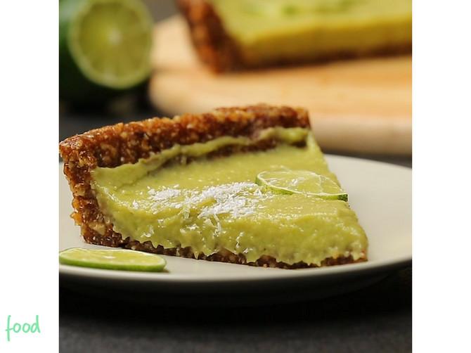 Veganski kolač sa avokadom: Ovu brzu, UKUSNU i ZDRAVU poslasticu MORATE da probate!