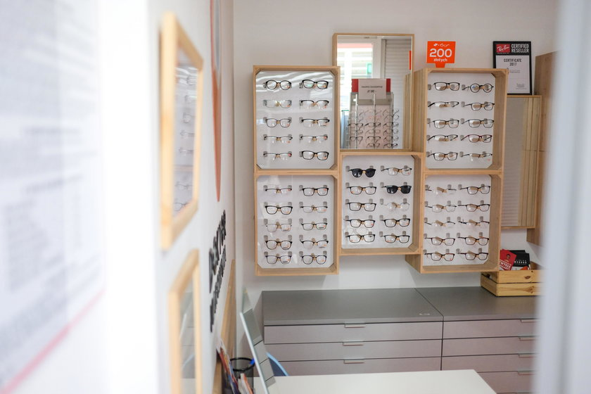 Oszukani klienci Doktora Marchewki: Nie mamy pieniędzy ani okularów
