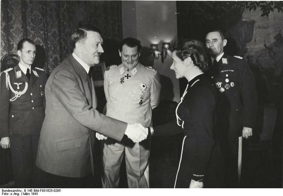 Hana i Hitler