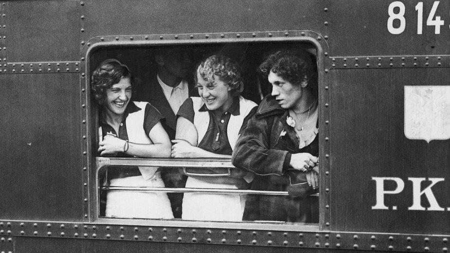 Wyjazd polskich sportowców z Warszawy na Letnie Igrzyska Olimpijskie do Berlina, 1936 r.
